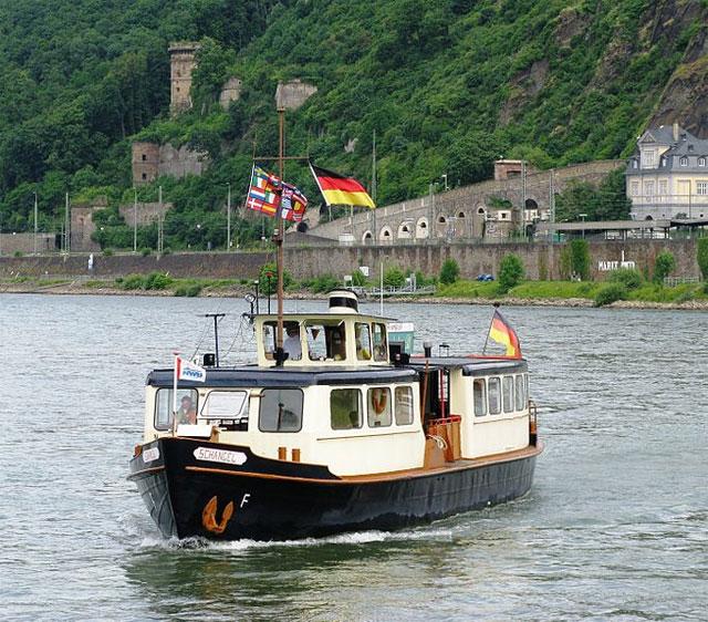 Rheinfähre in Koblenz