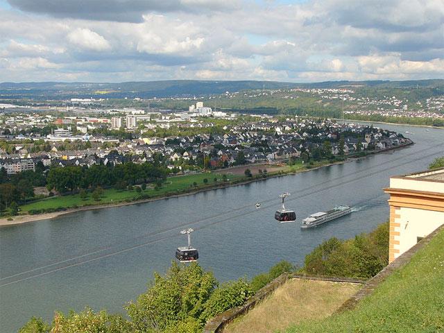 Ausblick von Ehrenbreitstein auf Koblenz