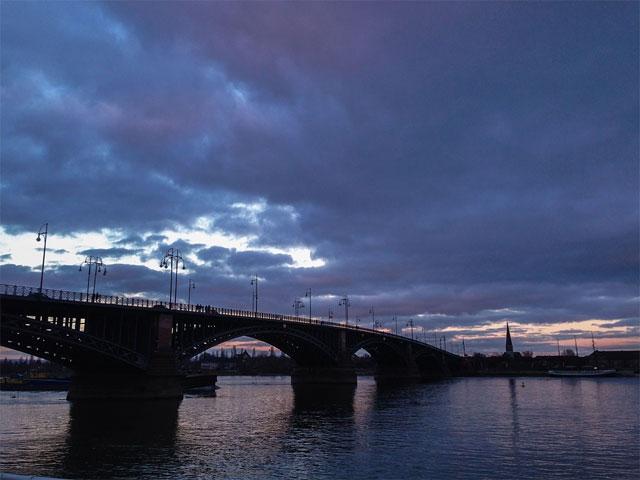 Rheinbrücke in Mainz
